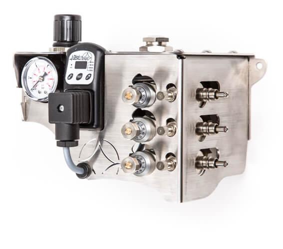 Minimalmengen- Kühl-Schmiersystem SputtMiK mit drei Mikro-Dosierpumpen